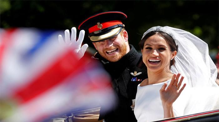 Harry and Meghan tie the knot