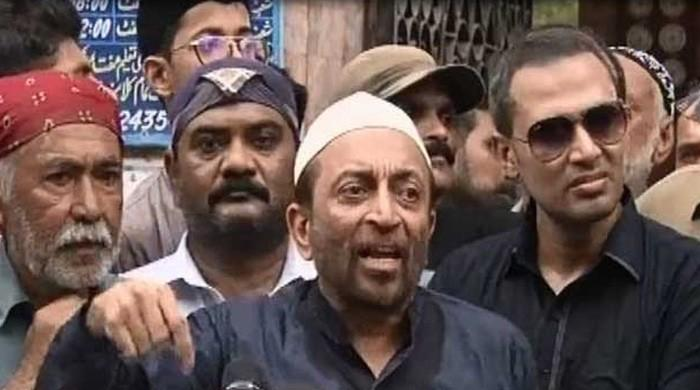 Voters confront Sattar with scathing remarks