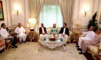 Shahbaz discusses political issues with Khursheed, Gilani