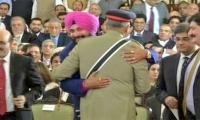 Gen Bajwa wants peace with India, says Sidhu