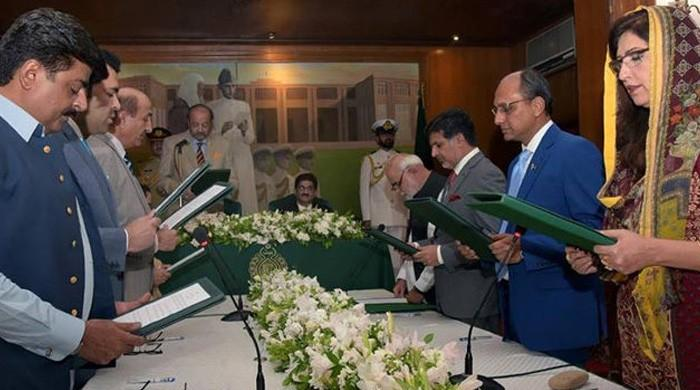 New Sindh cabinet gets mostly fresh faces