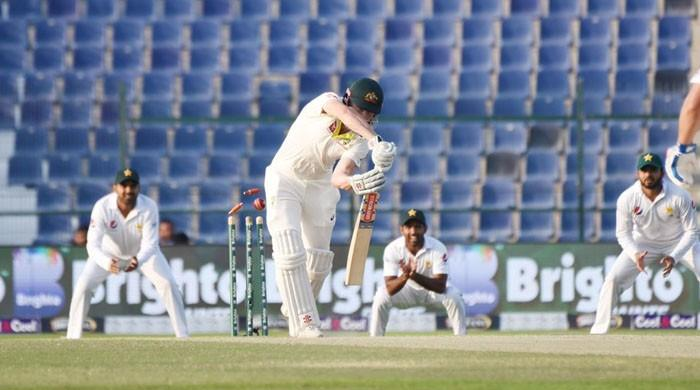 Dominant Pakistan close in on series victory