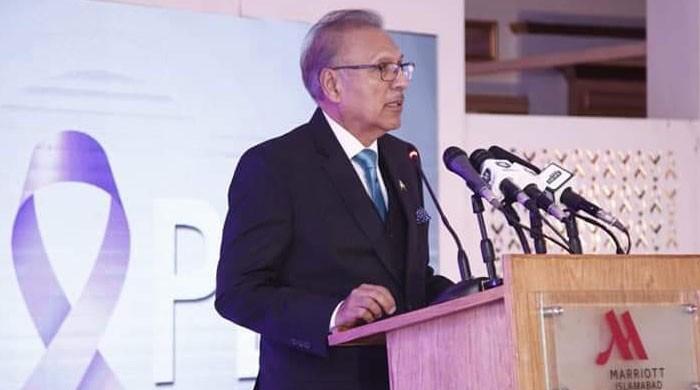 President Arif Alvi confers Nishan-e-Imtiaz on Turkish Army chief