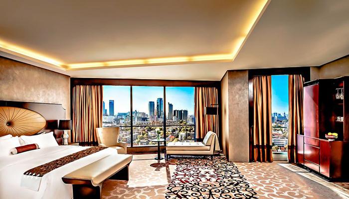 Bereft Of Jet Set New York Luxury Hotels Welcome Last Minute Locals