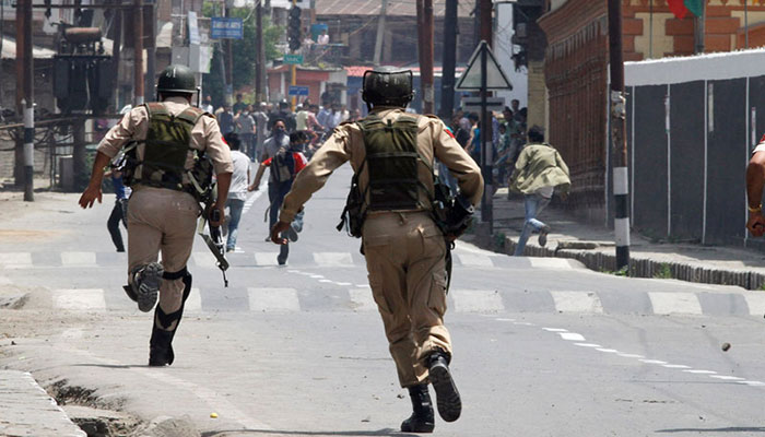 Indian troops arrest seven Kashmiris in IIOJ&K