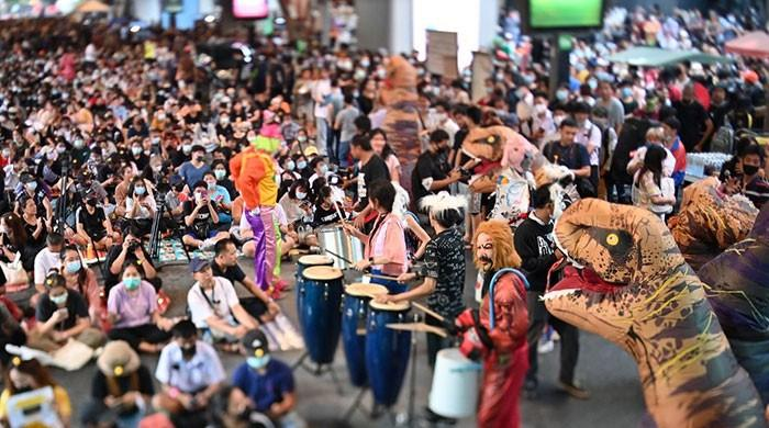 Thai students and dance dinosaur rally in Bangkok