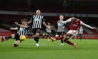Aubameyang at the double as Arsenal pile more misery on Newcastle