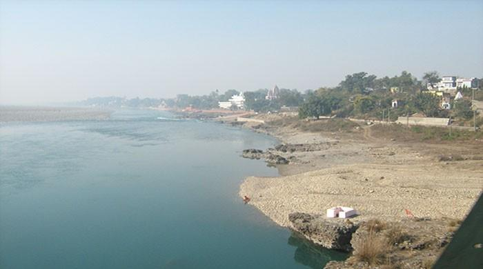 The flow of the river Chenab stopped