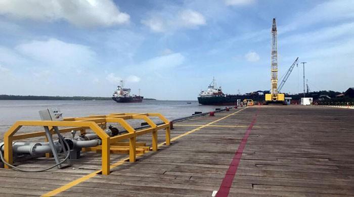 Venezuela 'seizes Guyana fishing boats'