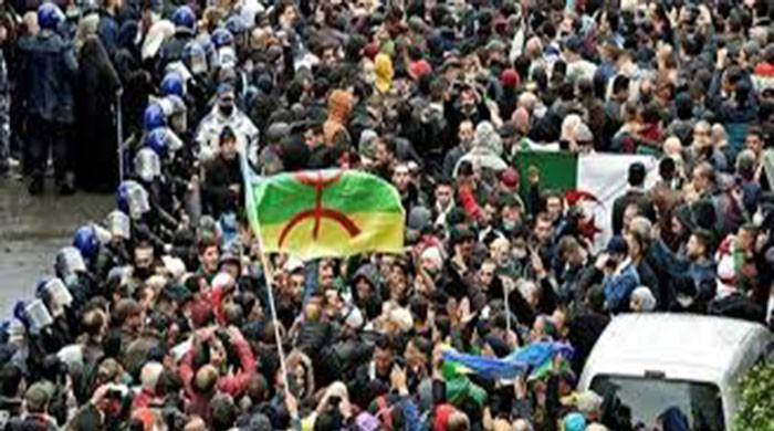 Algerians attacked the streets