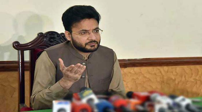 PM mandated to nab corrupt: Farrukh