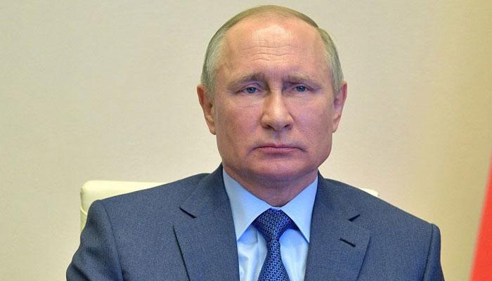 Putin promises billions in public spending ahead of polls