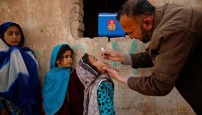 Pakistan reports no polio case in six months