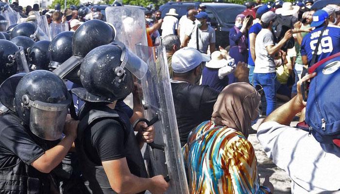 Police storm Al Jazeera office in Tunis