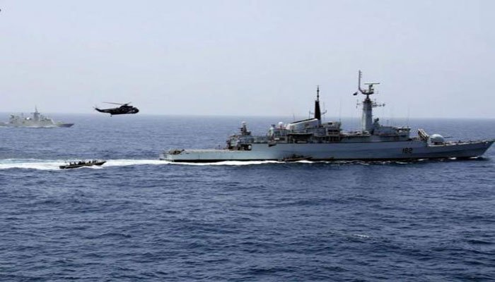 PN, PMSA recover stranded ship's crew members