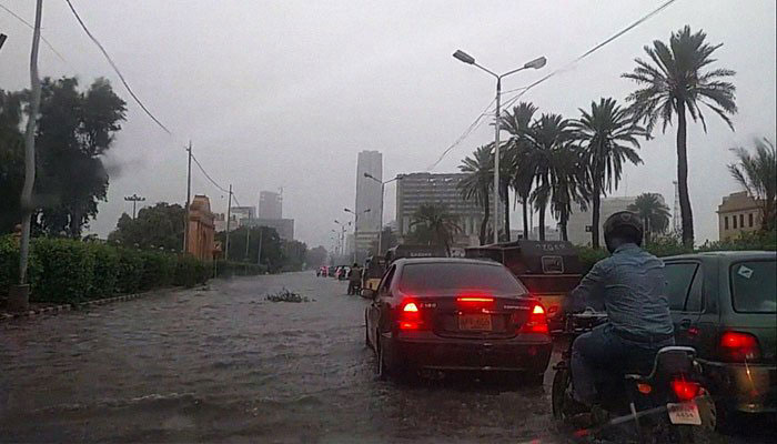 Heavy rain wreaks havoc in Karachi