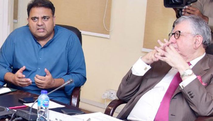 Tarin, Fawad discuss revival of film industry