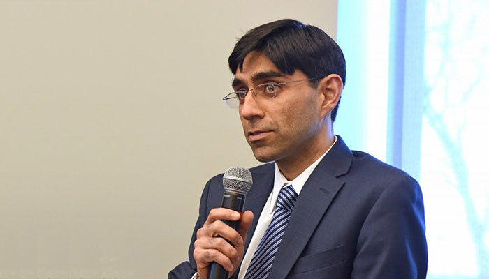 Abandoning Kabul by world once again will be a mistake: Moeed