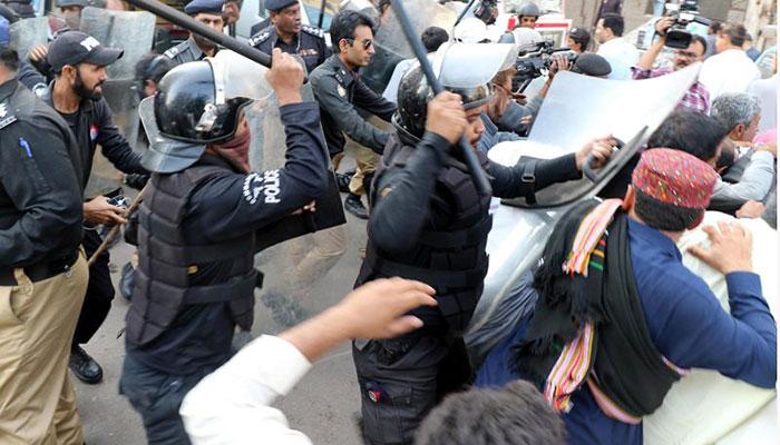 Police break up protest outside Tarbela Dam offices
