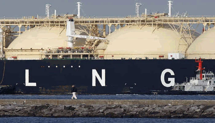 Utilities cut gas supply to industry, transport as shortages hit
