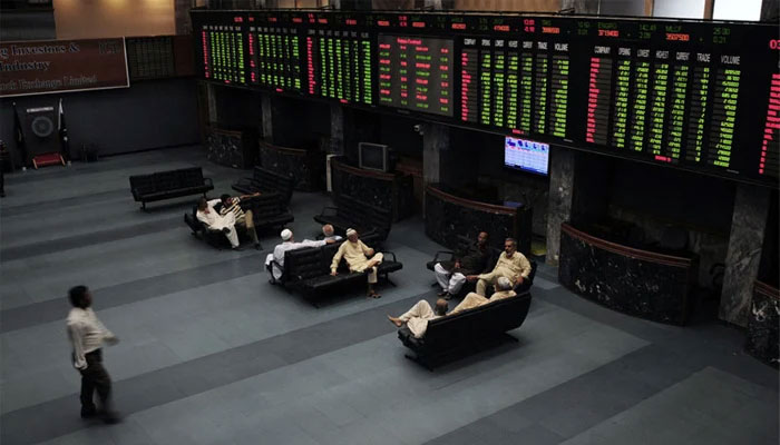 Stocks turn flat in choppy trade