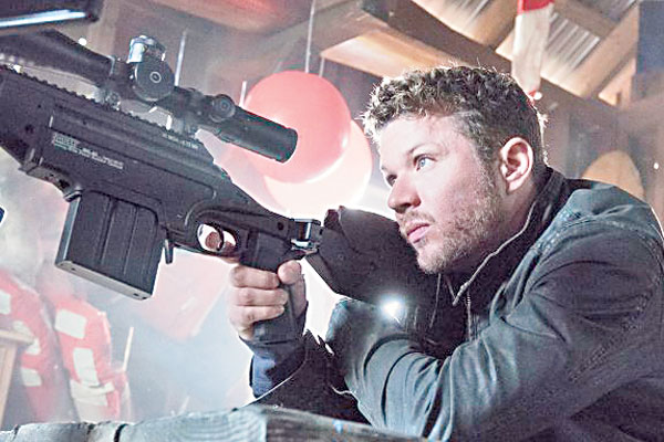 Having made an impact in Secret and Lies, Ryan Phillippe returns to television with Shooter, which is based on the novel Point of Impact by Stephen Hunter and the 2007 film starring Mark Wahlberg.
