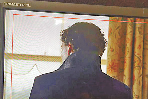 Benedict Cumberbatch is shooting for Sherlock
