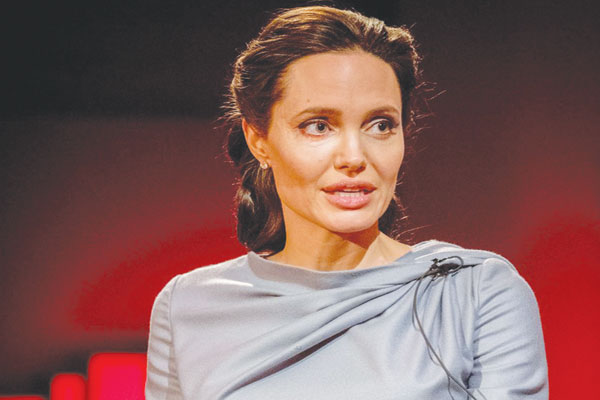 Angelina Jolie bashes Trump over anti-Muslim remarks