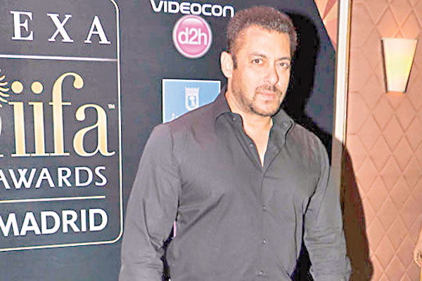 Salman Khan refuses to apologize over offensive remarks