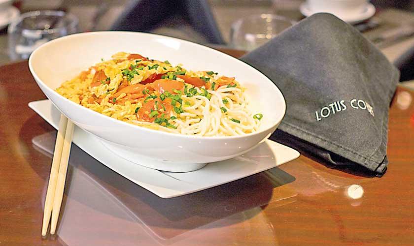 Fanqie Jidan Mianb (Poached Noodles in Egg & Tomato Sauce)