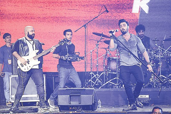 Umair Jaswal, playing with new-age names like Rahail Siddiqui, Aahad Niyani and others, has enormous stage presence and considers Ali Azmat rock's ultimate idol.