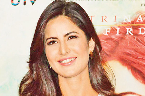 Katrina Kaif overwhelmed as she is honoured with Smita Patil Memorial Award
