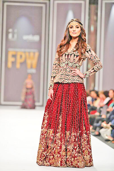 Huma Adnan's Midnight Garden lacked finesse but her showstopper Naveen Waqar looked prettier than most models.