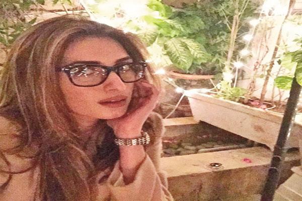 When will Iman Ali sign her next film?