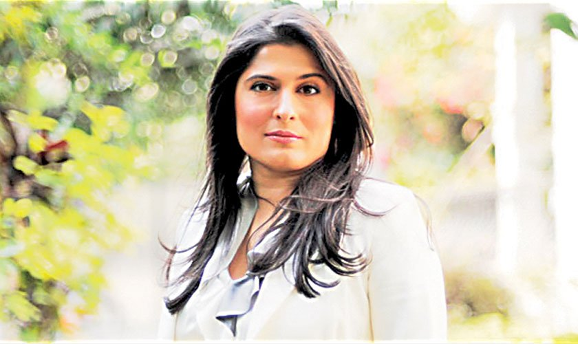 filmmaker sharmeen obaid chinoy presented with the Three cultural leaders were presented  filmmaker sharmeen obaid chinoy was  world economic forum annual meeting 2013.