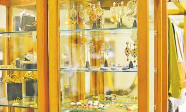 Lahoris spoilt for choice: High street fashion stores galore!