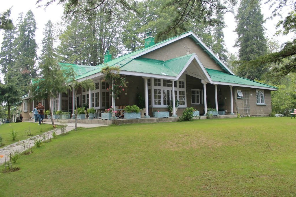 Government resthouses in KP now open to public