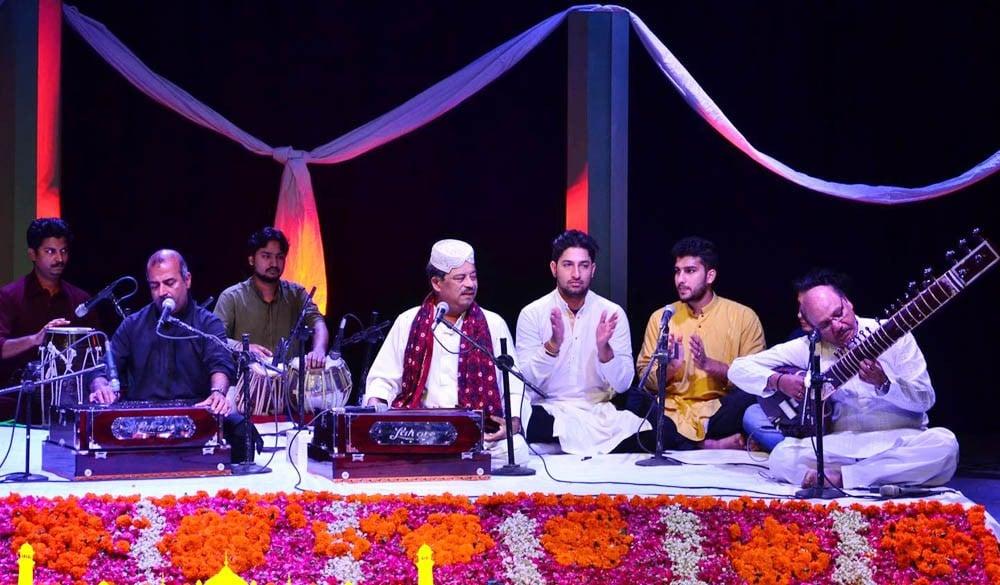 Do they still sing qawwali?