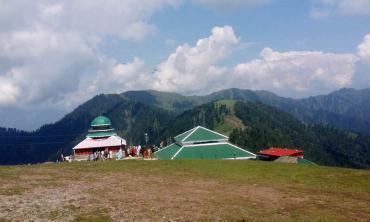 On the peak of Pir Chinasi