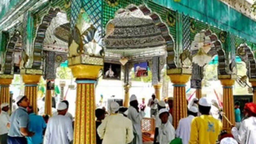 Religious modernism and Barelvi creed