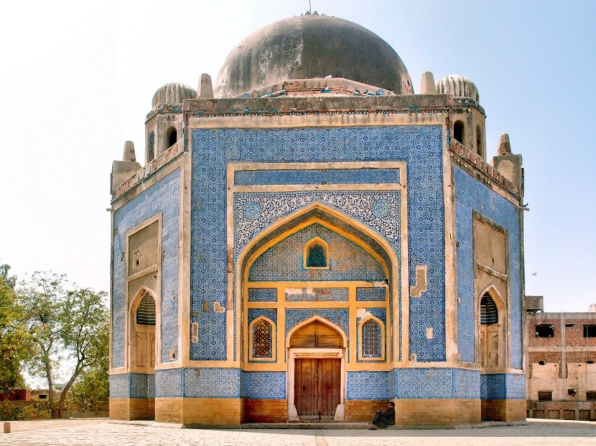 Reading Sindh's past