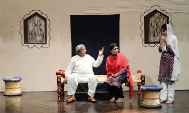 Reviving the theatre festival