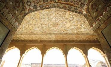 The lady behind the Sheesh Mahal