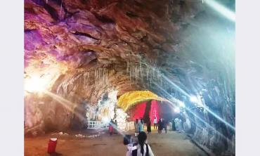 Inside Khewra's  salt mines