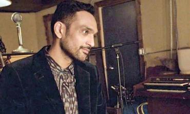 Ali Sethi appears on Palestinian radio station alHara