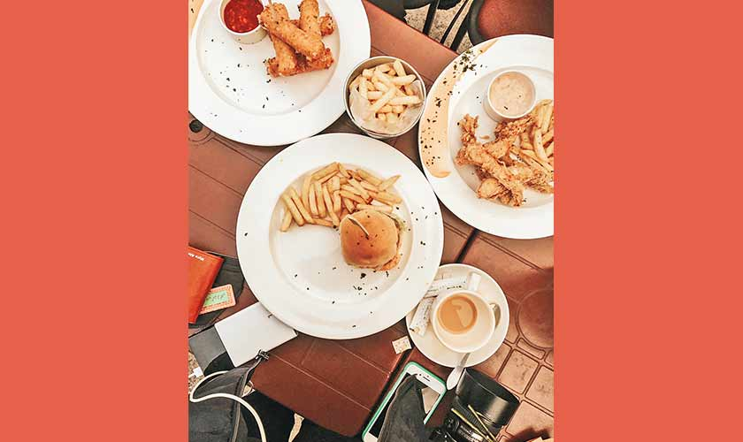 The famous Jessie's, owned by the Jaswal brothers is one of Islamabad's favorite burger joints. The food is great. The place is great. It's a little pricey, but the taste makes it worth it, and the mozzarella sticks make the best starter for a tasty meal.