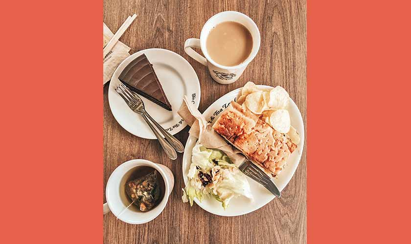 Cake makes everything better! The Coffee Bean & Tea Leaf is the perfect place to wind down with a slice of cake and chamomile tea, or to treat yourself to a yummy caramel latte.