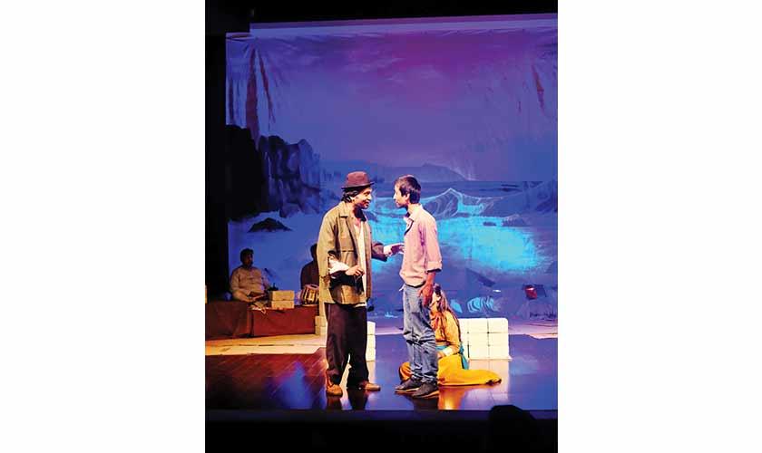 Naujawan (Tariq Raja) and Bhoora (Nazar Ul Hassan) share a moment.