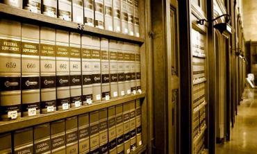 Law of binding precedents