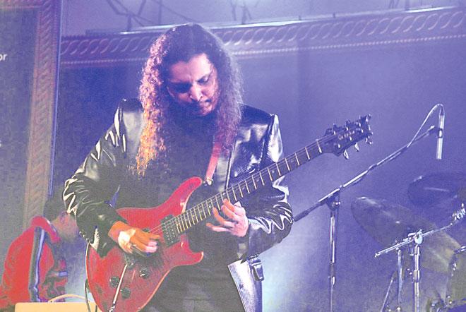 Mekaal-Hasan-Band-5